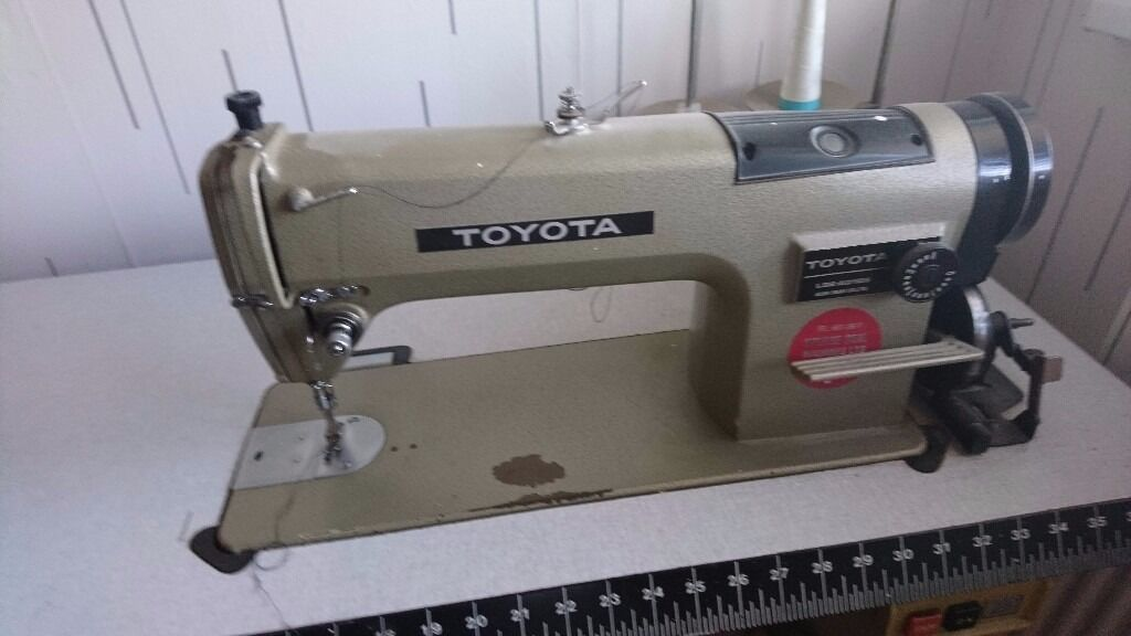 toyota industrial sewing machine in erith london gumtree. Black Bedroom Furniture Sets. Home Design Ideas