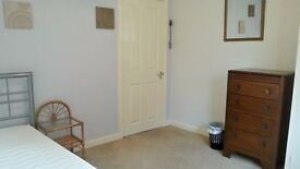 Double Room for Female - RENT FREE + POCKET MONEY for P/T Support & Companionship to Elderly Lady