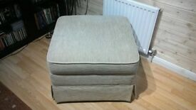 Foot stool (pouffe) With storage