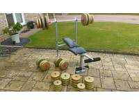 Weight bench and 135kg weights set.