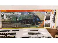 Hornby Queen of Scots train set with extras
