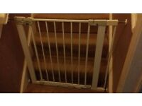 Safety 1st baby gate excellent condition