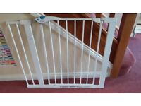 Lindam stairgate with 14cm extension
