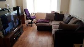 Bedroom to rent Shared house ( all included )