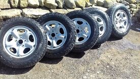 5 LANDROVER FREELANDER WINTER TYRES 195/80/15 .. ON STEEL RIMS...USED BUT PLENTY OF LIFE LEFT