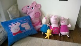 Peppa Pig soft toy bundle. Includes Pyjama case and reversible cusion . Good condition.