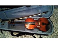 Violin- 3/4 size great beginners instrument