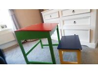 Kids desk & stool