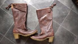 Dr Martens brown leather boots size 6/ EU39