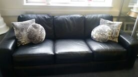 Beautiful 4 seater leather Sofa for sale