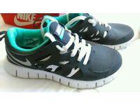 Nike free run 2 size 5
