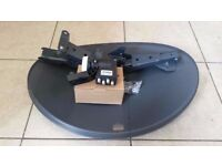 Brand New Raven Satellite Dish With Quad Lnb (4 way)