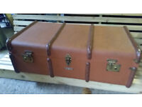 vintage traveling trunk with tray inside Great condition antique furniture ornament prop