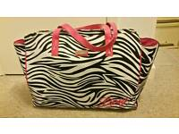 Lipsy large weekend bag, never used, fantastic condition