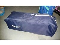 GRACO navy and gingham TRAVEL COT/playpen in very good, clean condition. Simple to put up and down.