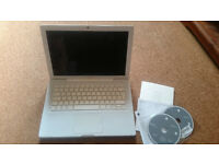 Apple Macbook A1181 gb ddr2, HDD, SuperDrive, OS X, Spares or Repairs Broken LCD