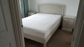Double bed and 2 besidetable