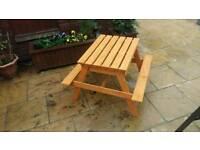 Children's sandpit / picnic table