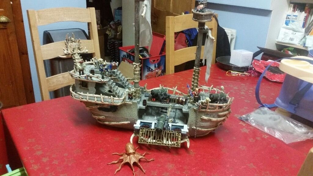 Pirates of The Caribbean Megabloks ship
