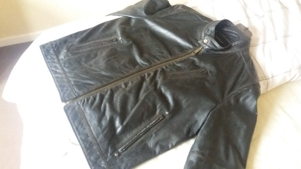 Black Leather Jacket (LAs New Conditionin Southside, GlasgowGumtree - Black leather jacket in perfect as new condition. Really nice, high quality leather. Bought new last year