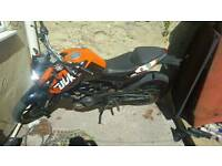 KTM DUKE 125 2012 swaps for 2 stroke