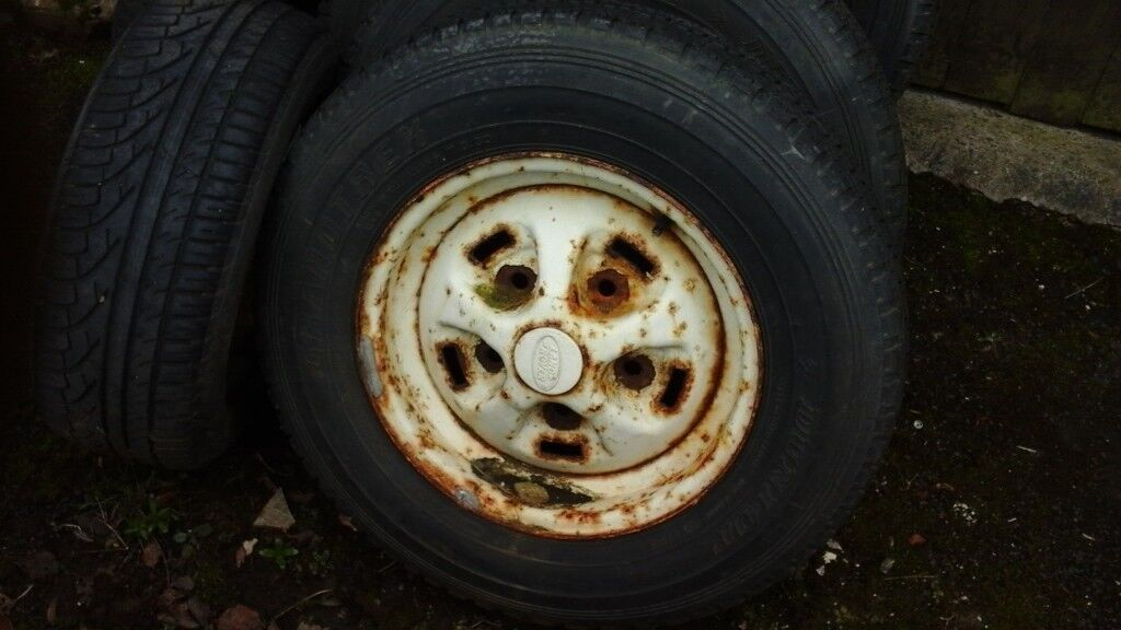 4 landrover 90 steel wheels with tyres