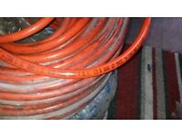 air hose brand new 200 psi 13,8 bar and oxygen -acetylene hose all ready to go