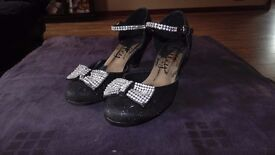 Girls Black glitter heeled party shoes and diamonte bow and ankle straps Size 13 Only worn once