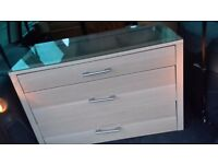 Chest of drawers glass top. Can deliver
