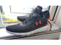 UNDER ARMOUR SPEEDFORM FORTIS 2 - black running jogging shoes, trainers size 12