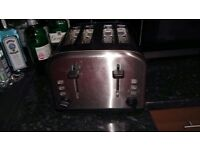 4 slice toaster £7