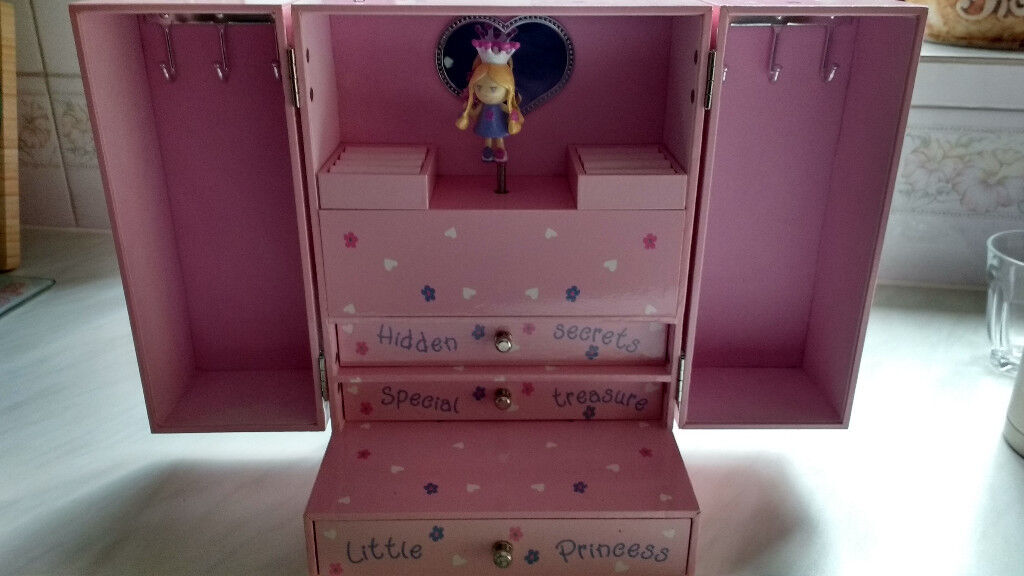 Girls Musical Jewellery box- Excellent condition
