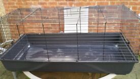 Used indoor cage has been cleaned about 110cm by56cm