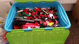LEGO, KILO OF LEGO TAKEN FRON BOX PICTURED