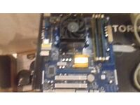 Motherboard ASRock N68C-S UCC + AMD Athlon + Heatsink and fan + 4GB DDR2-800 RAM