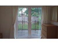 Lovely Double Garden Room in Stunning Property - Available to Couples!!