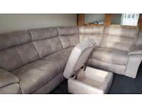 Corner reclining sofa