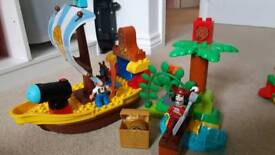 Lego Duplo jake and the Neverland pirates and train set