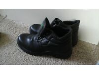 steel toe capped work boots, size 7