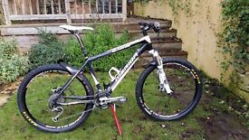 Merida O.Nine Carbon Hard-tail mountain bike c/w Stans Tubeless Wheels, Fox RL Forks and XT kit.