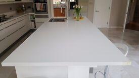 Kitchen island worktop (in CORIAN) with integrated sink