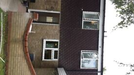 3 bed HOUSE for rent - Crowland Way, Cambridge CB4 2NA