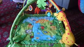 Play gym Fisher price rainforest