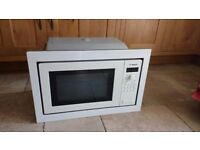 Bosch 900W microwave. White. Integrated