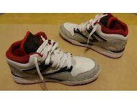 Reebok Pump Retro Sneakers Trainers Size 8 Nearly New