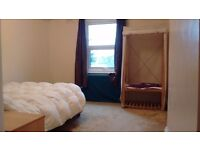 Large Double Room Greenwich, 5 mins from station, lovely large house, professional share