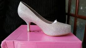 Silver lucky mesh diamandte shoes size 6