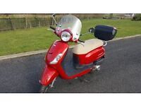 Sym Fiddle II twist and go motor scooter, 125cc, red, screen and top box.