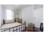 Spacious 2 Bedroom Flat with garden 5 minutes walk to Grove Park Station (DSS CONSIDERED)