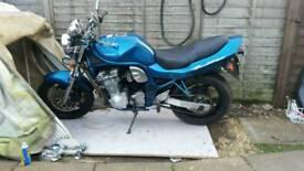 Suzuki bandit mk1 600 not 1200 or fazer